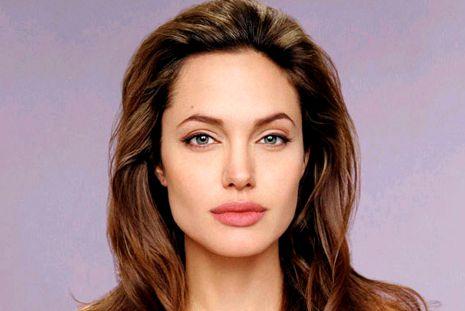 Angelina Jolie lan�a centro de prote��o �s mulheres