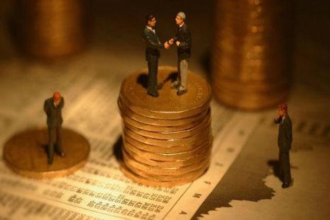 Bolsas nos EUA caem por pressão de ações do setor bancário
