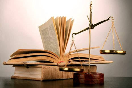 Estudantes da FCM denunciam descumprimento judicial de desconto de 25%