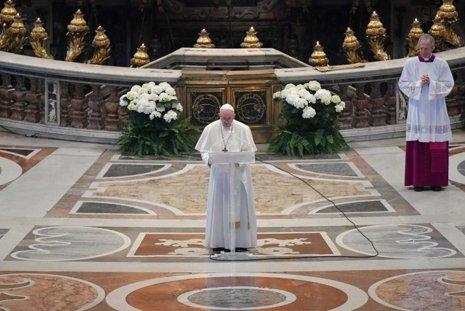 Papa vai retomar as audiências públicas das quartas-feiras